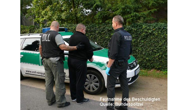 Bad Bramstedt: Schlag gegen mutmaßlich gewerbsmäßige Schleuser