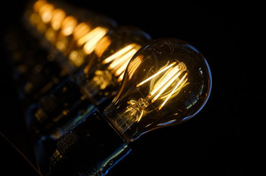 Glühbirne_Strom