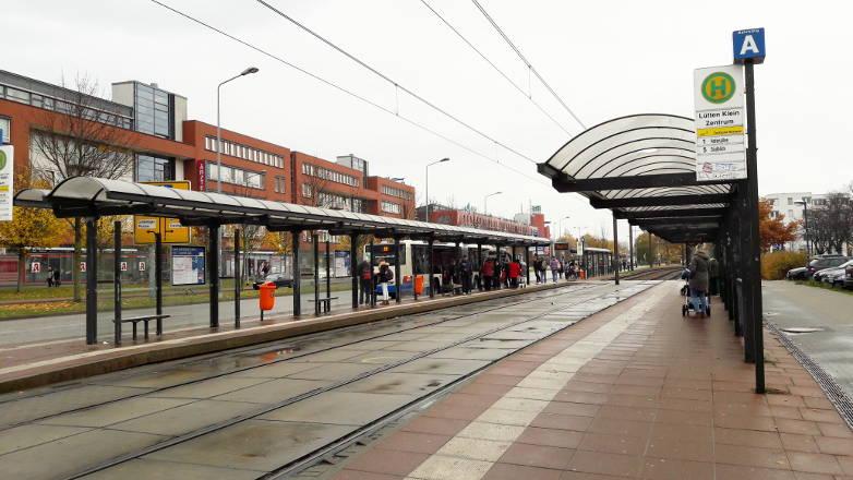 Rostock: Schlägerei an Haltestelle Lütten-Klein zwischen Frauen und Männern
