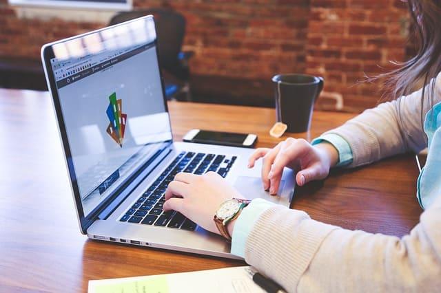Digitalpakt Schule: Bis zu 25.000 Euro für Laptops und Tablets pro Schule