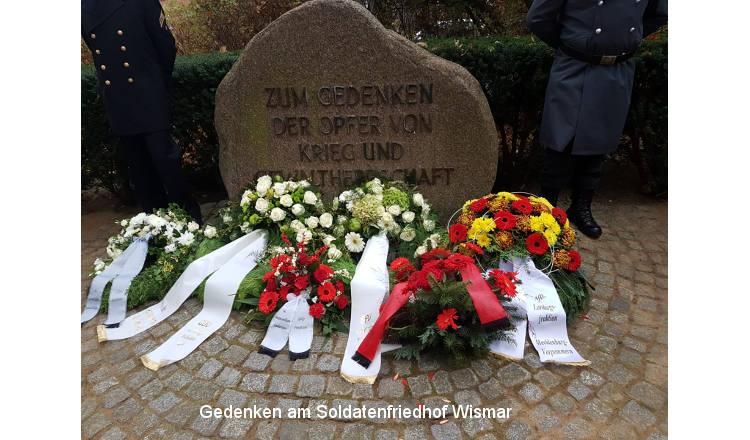 So gedenkt Mecklenburg-Vorpommern am Volkstrauertag