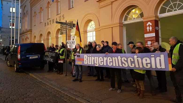 Schwerin: AfD fordert Bürgerentscheid über Moschee