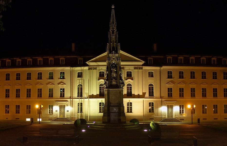 Bildungsministerin schließt Gendersprache für Studenten an der Uni Greifswald nicht aus