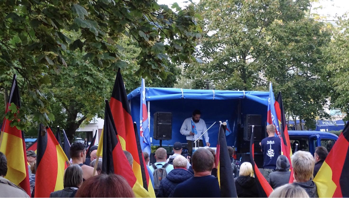 Rostock: AfD-Demo und Störer-Aufmarsch