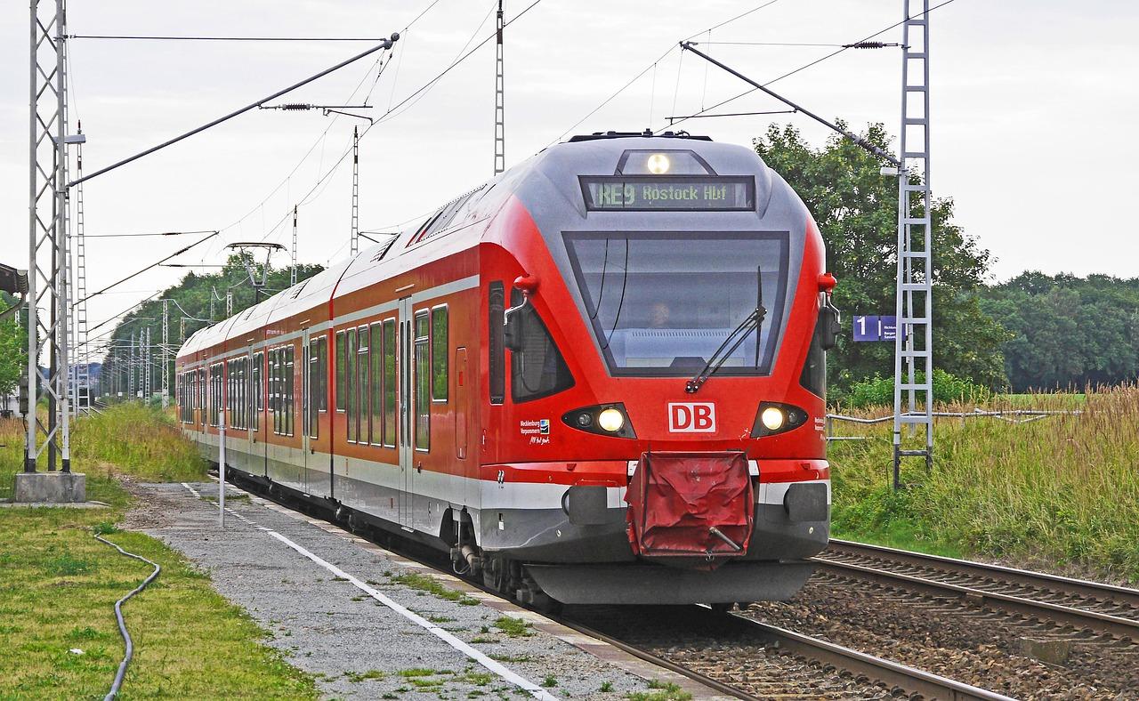 Greifswald: Mutige Fahrgäste überwältigen Drogen-Pöbler im Zug
