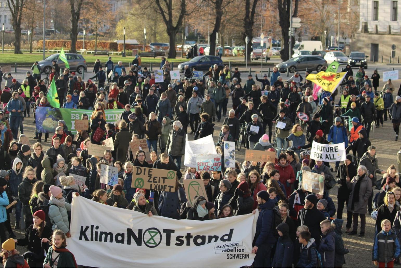 FFF-Protestzug durch Schwerin
