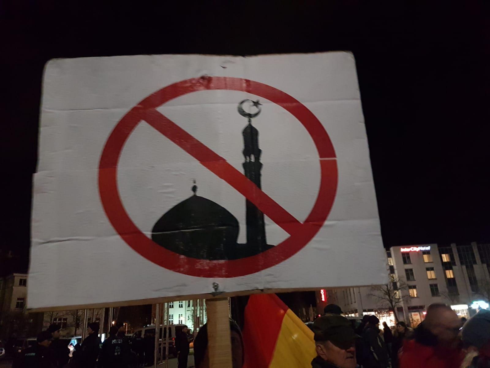 AfD-Demo gegen Moscheebau in Rostock