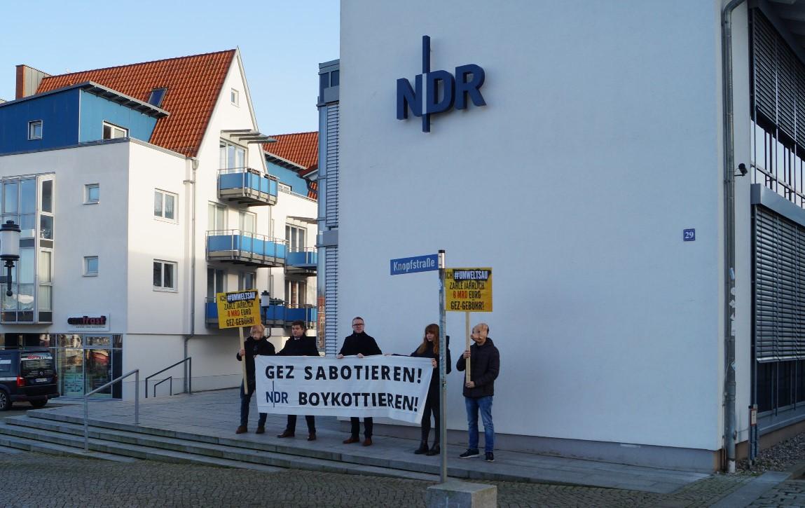 """Identitäre"" Aktivisten kritisieren NDR"