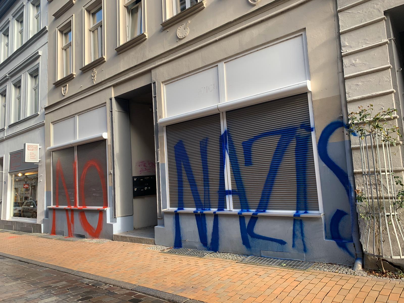 Schwerin: Wieder Schmierereien an AfD-Büro
