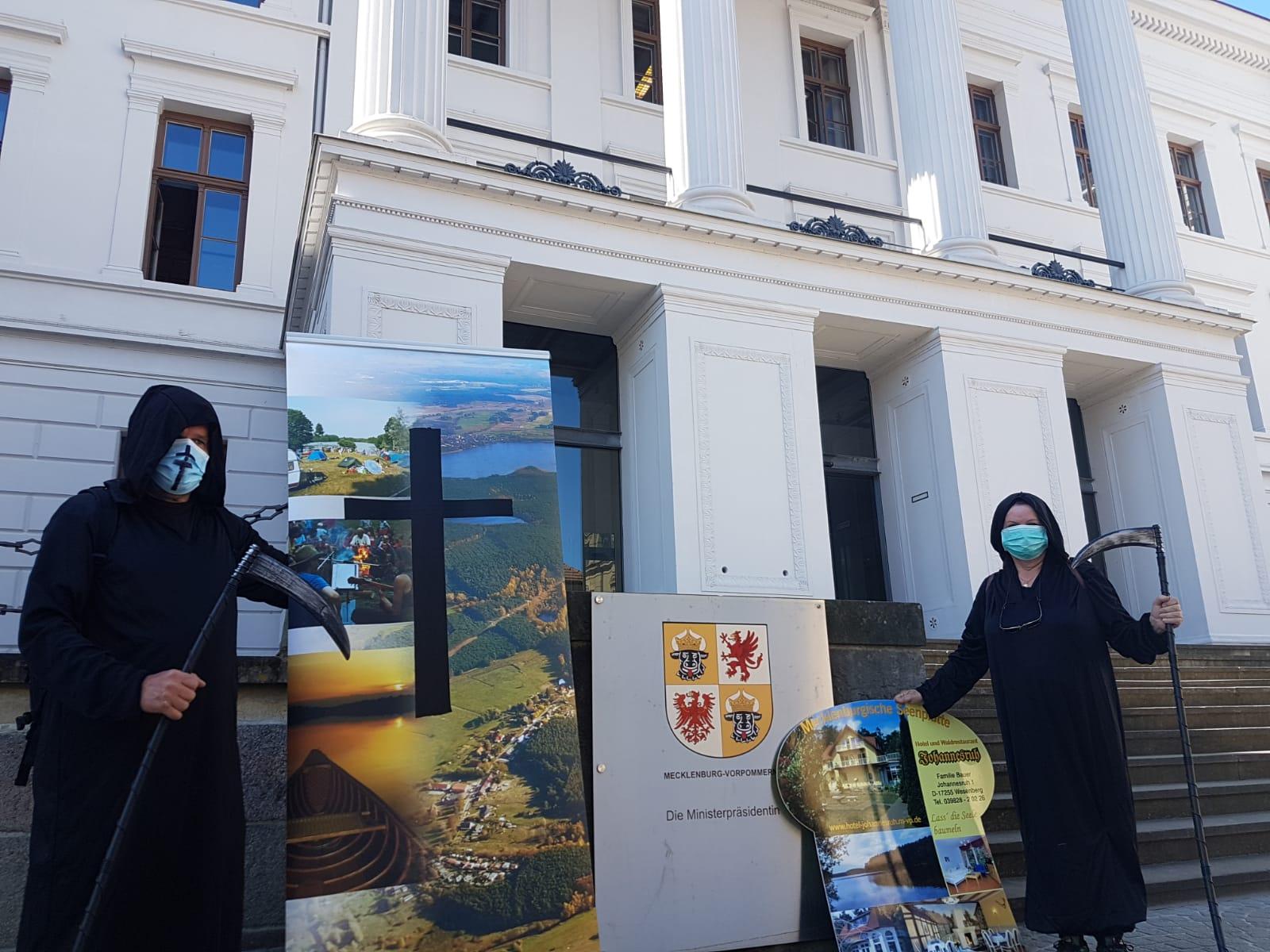 Touristiker-Demo: Schwesig versteckt sich