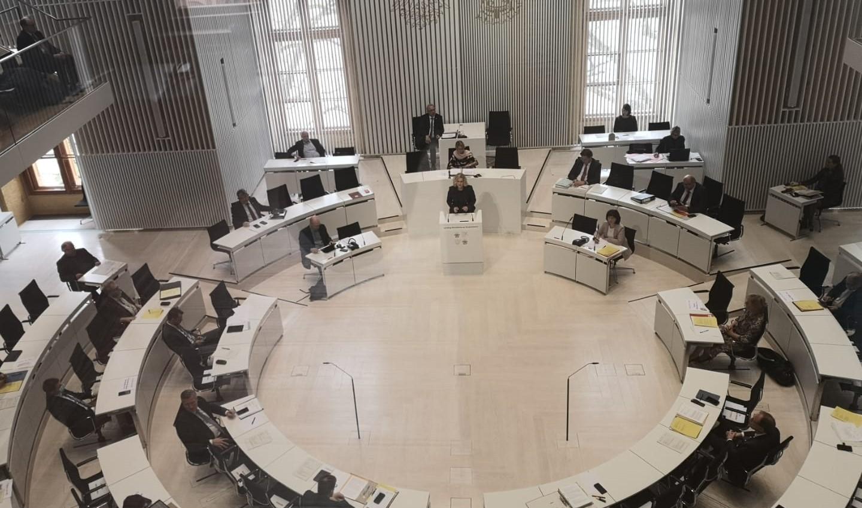 Landtag beschließt Corona-Haushalt