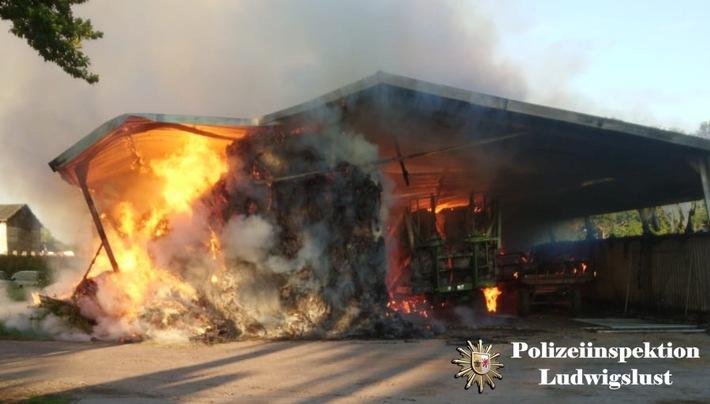 Heftiger Lagerbrand in Zweedorf