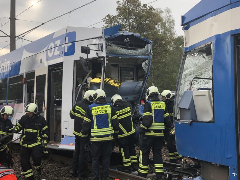 Rostock: Zehn Verletzte bei Straßenbahnkollision