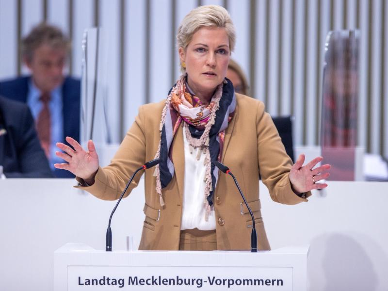 Schwesig für Reisebeschränkungen in Deutschland