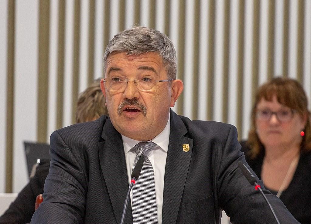 Rücktritt und Stellungnahme von Caffier wegen Waffen-Skandal