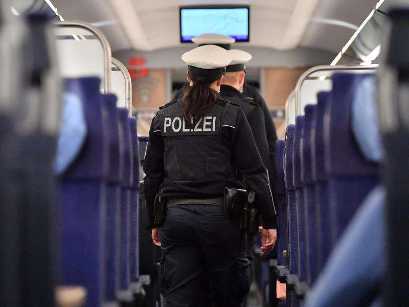 Mehr als 50 000 Überstunden bei der Bundespolizei in MV