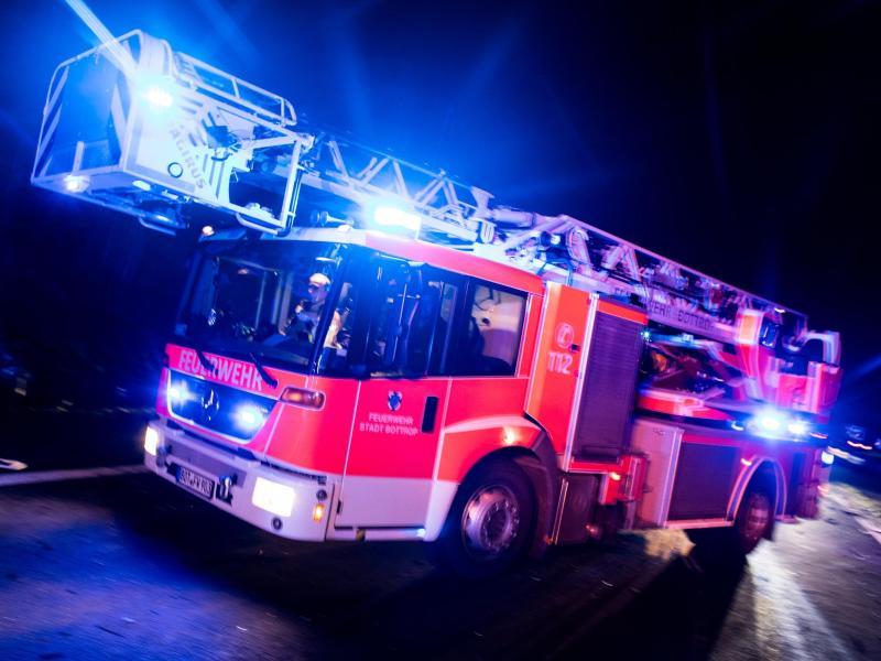 Halle mit Traktoren abgebrannt: Verdächtiger gefasst