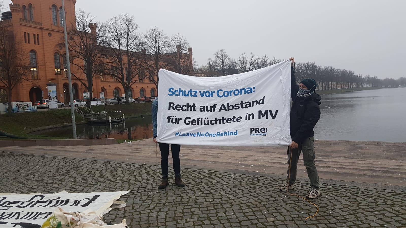Schwerin: Zuwanderungsbefürworter werden von Gegendemo gestört