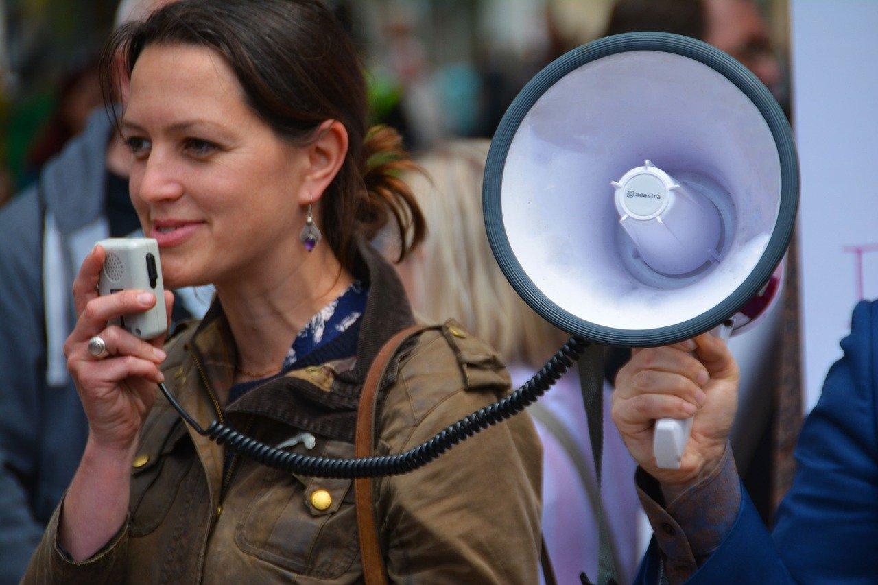 Einzelhändler und Mitarbeiter demonstrieren in Rostock