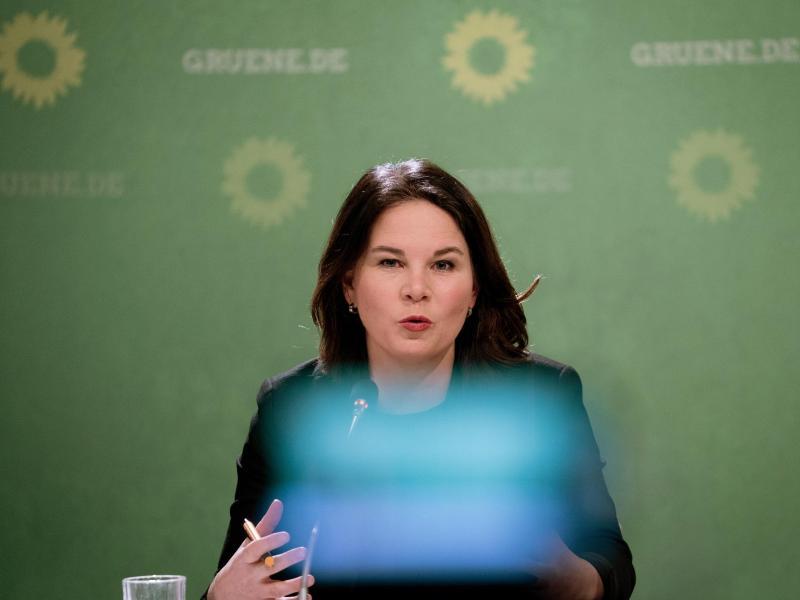 Baerbock fordert Stopp von Stiftung für Nord Stream 2