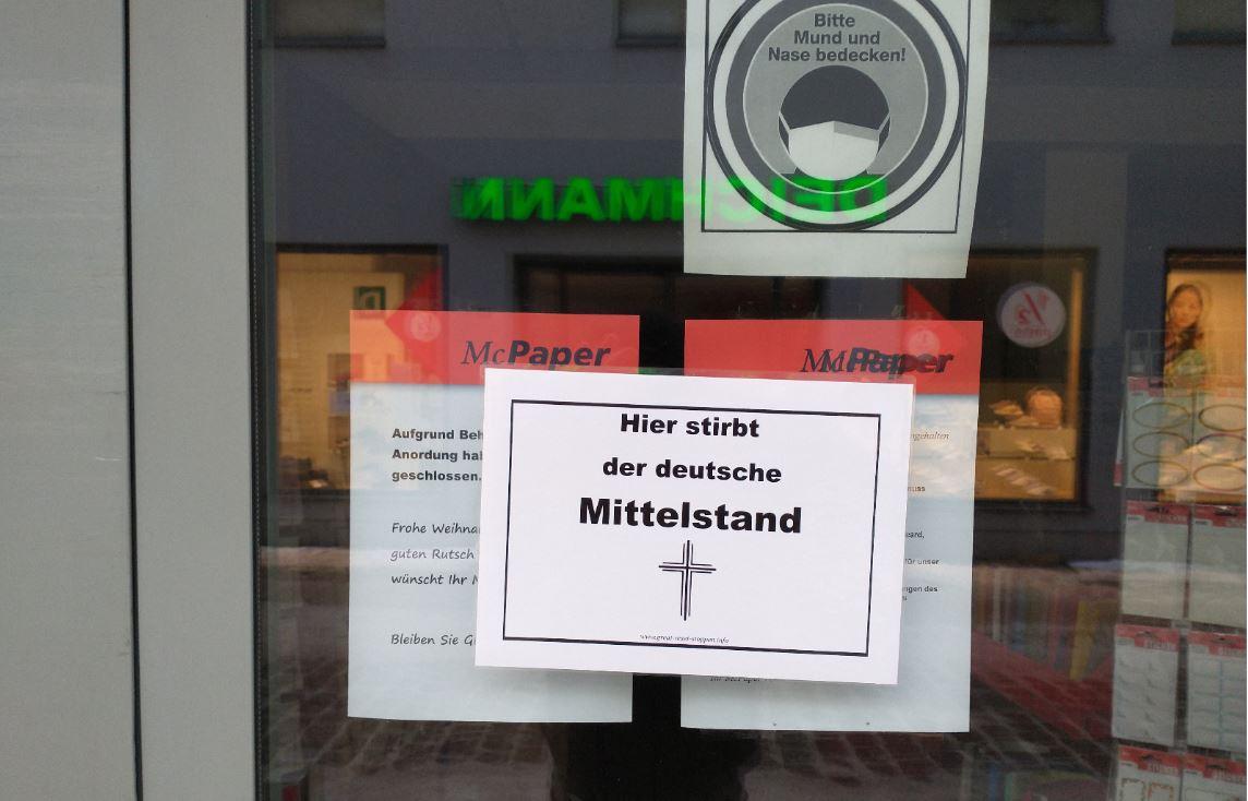 """Stralsund: Protest gegen den """"Great Reset"""" von Merkel"""