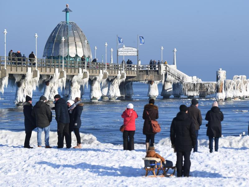 Usedom-Tagestourismus untersagt: Viele Autos zurückgewiesen