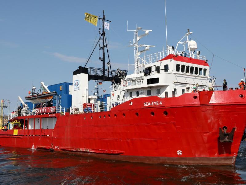 «Sea-Eye 4» in Richtung Mittelmeer unterwegs