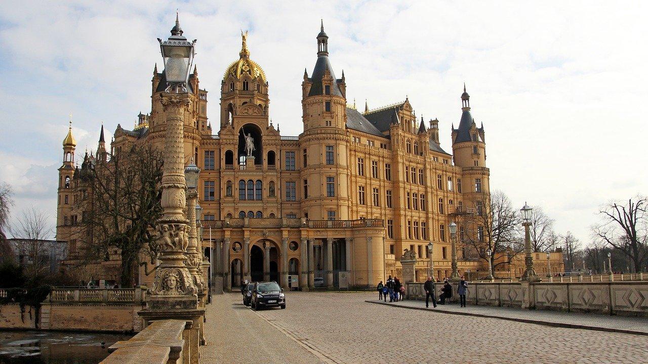Landtag verabschiedet neuen NDR-Staatsvertrag