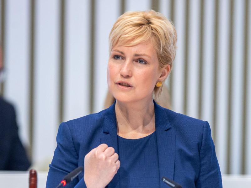 Landtag befasst sich mit Rettung der MV Werften